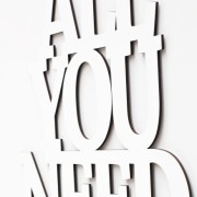 All you need is love 3D geschnittene Buchstaben