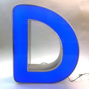 Leuchtbuchstabe D